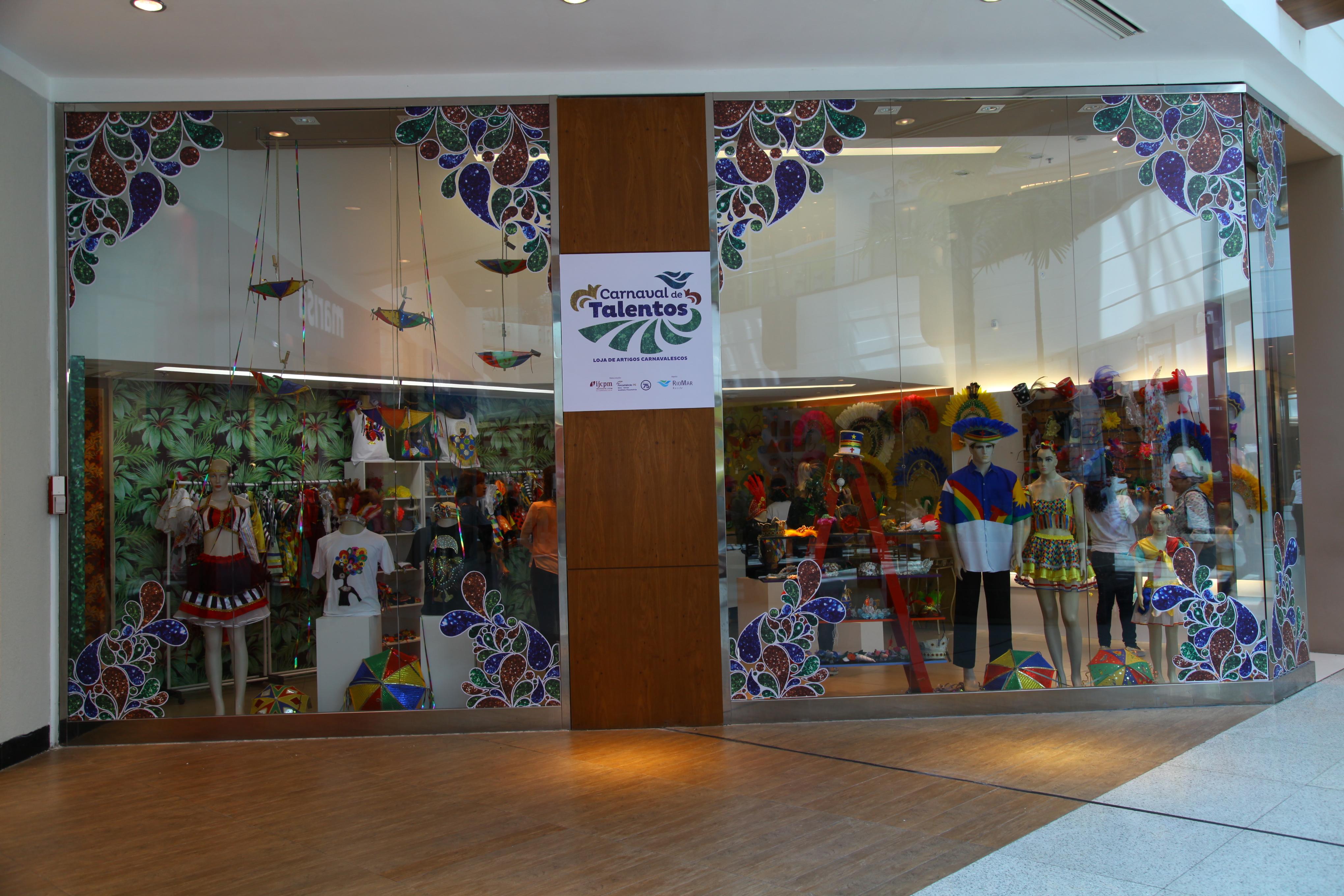 357178c23ab Artesãos inauguram loja no RioMar